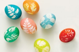 make-leaf-print-eggs-easter-craft-photo-420-FF0308EFDA172