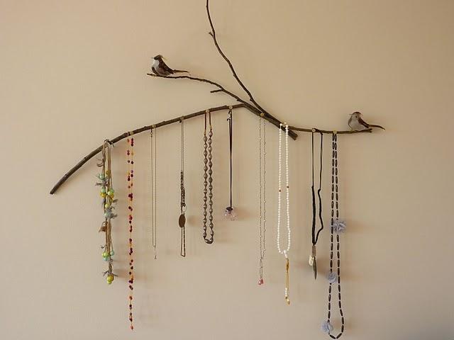 Diy les rangements bijoux - Presentoir bijoux fait maison ...