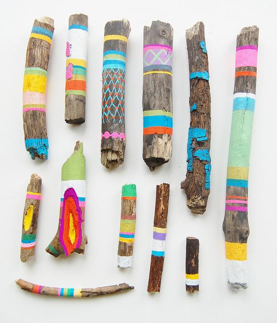Diy avec du bois flott for Peindre du bois flotte