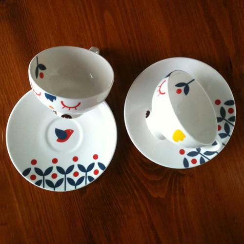2_teacups_500_camila_prada
