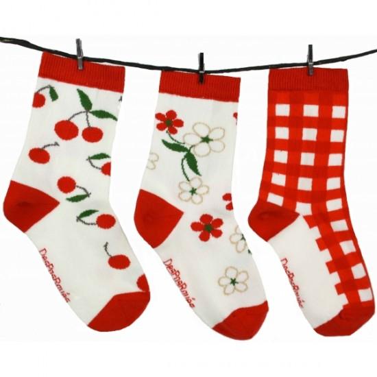 Chaussette enfant cerise. Mi-chaussettes en coton pour enfants. Un produit fantaisie autour de l'univers des fruits.