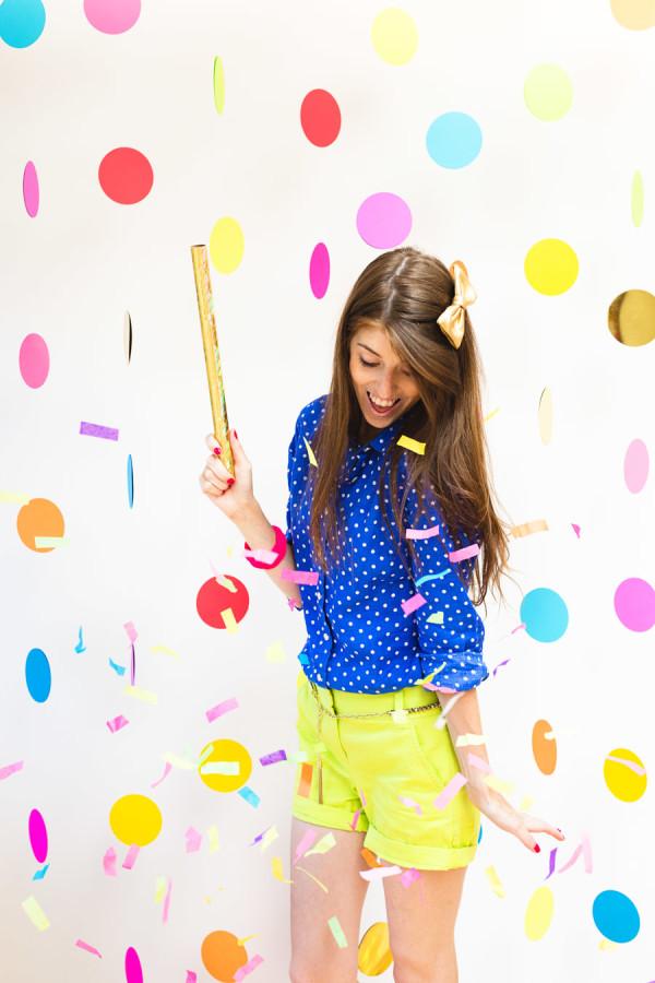 DIY-Floating-Confetti-Photobooth-studioDIy
