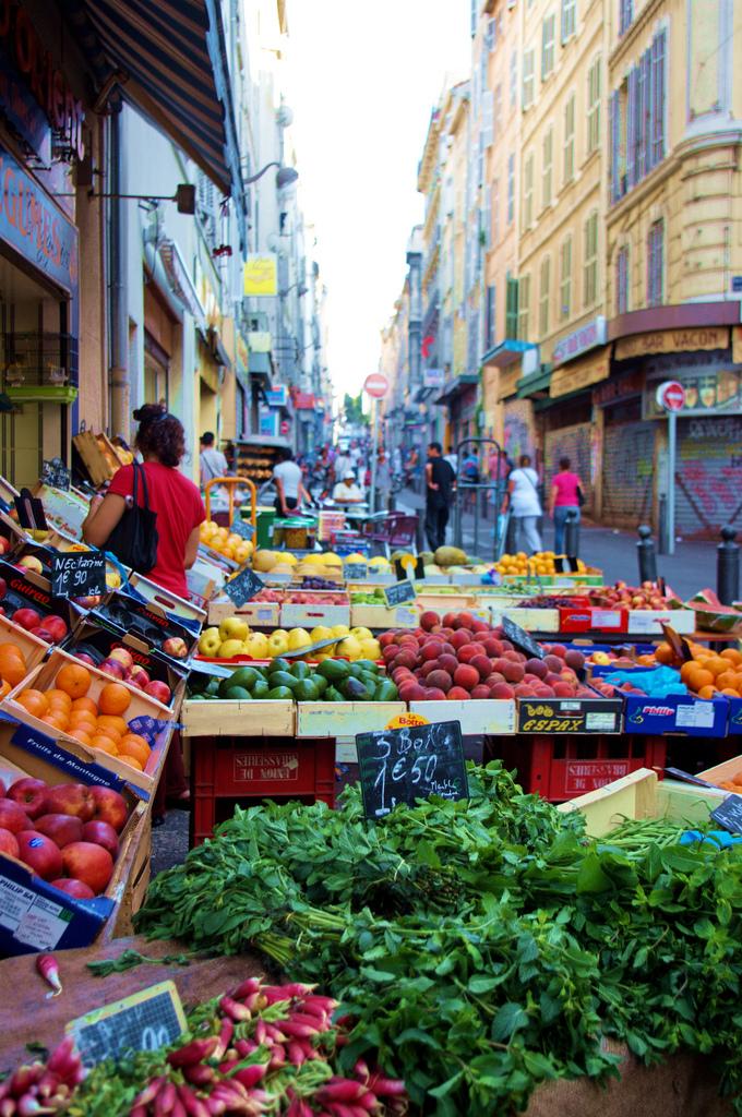 Marseille marché de Noailles 103
