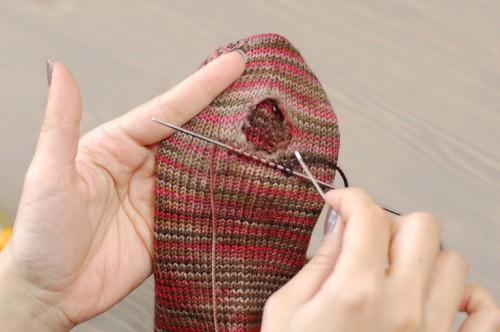 repairing socks // Cookie A
