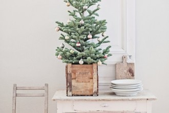 dreamy-whites-christmas-tree-skirt2