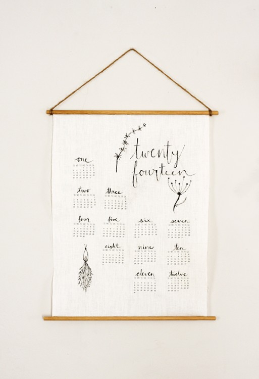Thesweetestoccasion / diy wall linen calendar
