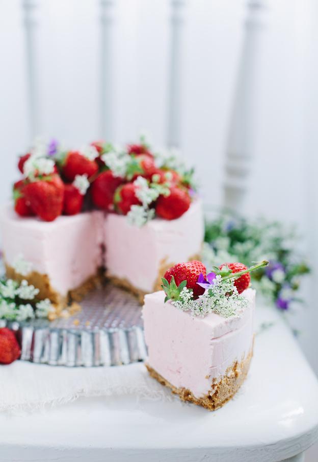 No-bake strawberry cheesecake // Call me Cupcake
