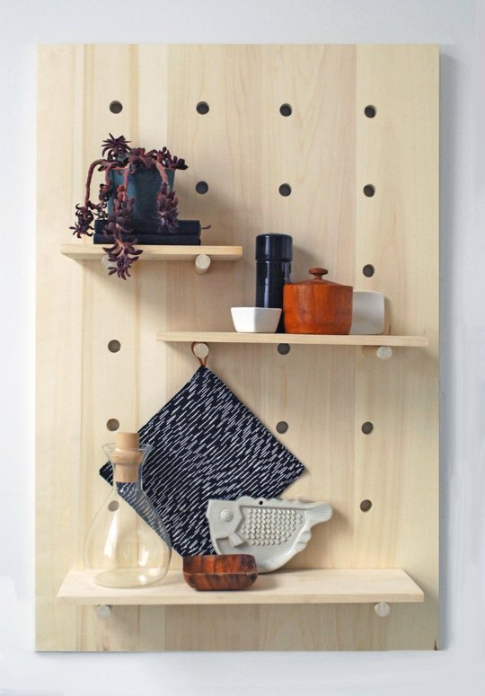 diy pegboard // Apartment therapy