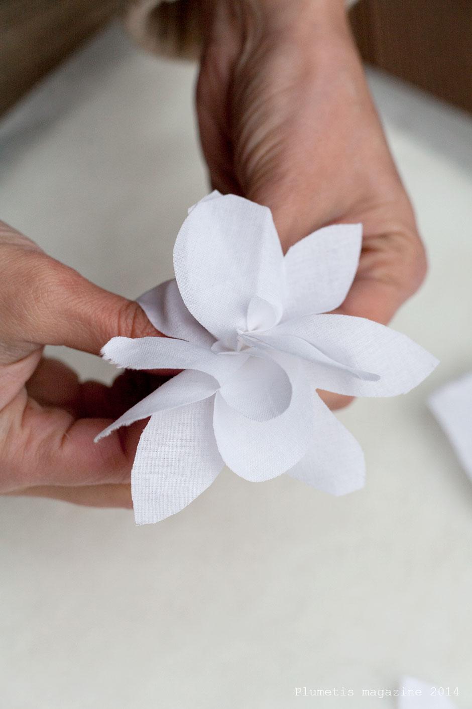 diy les fleurs en tissu. Black Bedroom Furniture Sets. Home Design Ideas