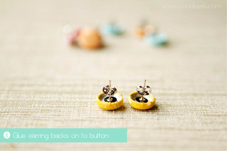 Fabric Button Earrings Tutorial // Casa de lewis