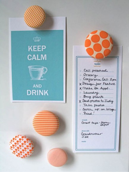 QUICK CRAFT: BUTTON MAGNETS // Urban Comfort