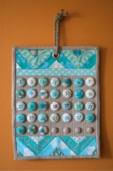 Covered buttons Calendar // I heart linen