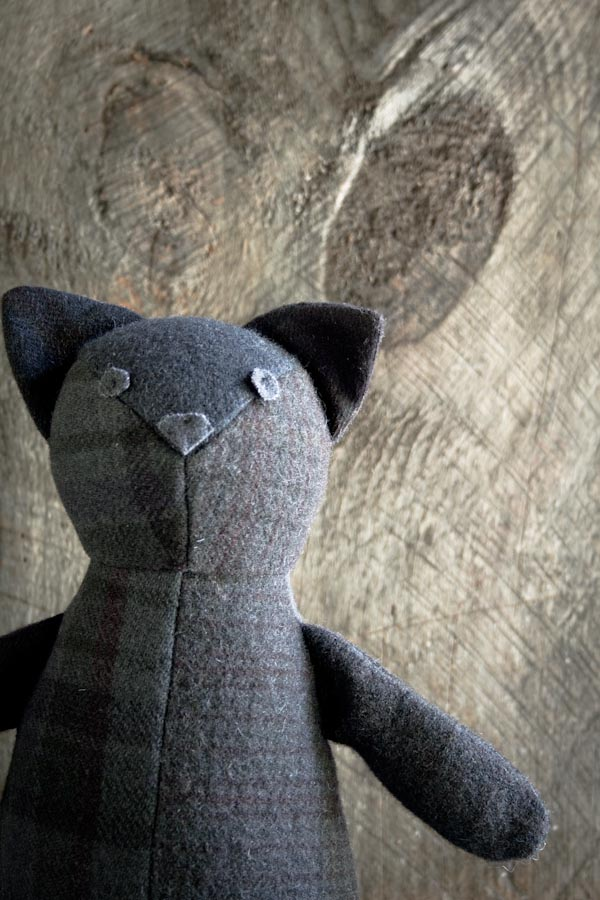 wool-patchwork-cat-600-3-8
