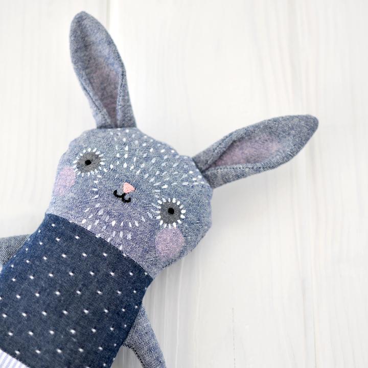 indigo bunny // Petit Pinppin