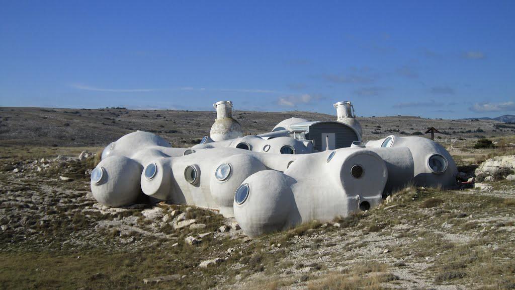 L'observatoire - Plateau de Caussols - photo : M. Royon