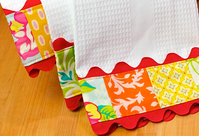 Trimmed Kitchen Towels with Rick Rack
