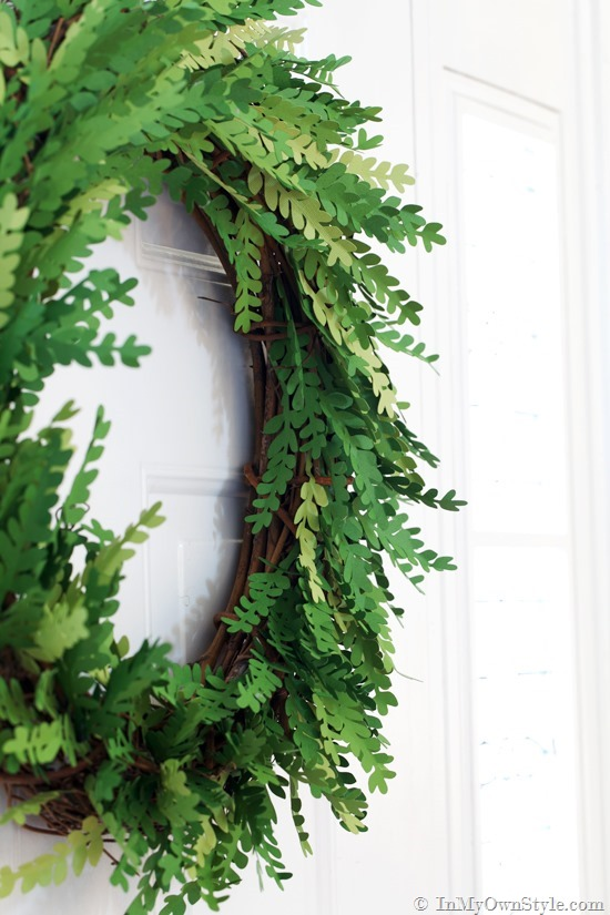 Tutorial-on-how-to-make-a-paper-boxwood-wreath_thumb