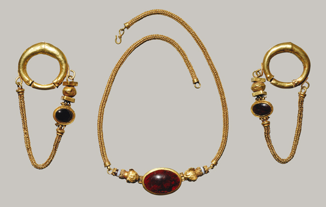 Necklace and earrings, Late Hellenistic, 1st century B.C.