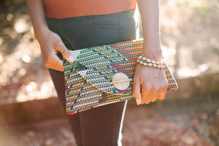 POLISHED MEDALLION CLUTCH IN TRIBAL PRINT // Market colors
