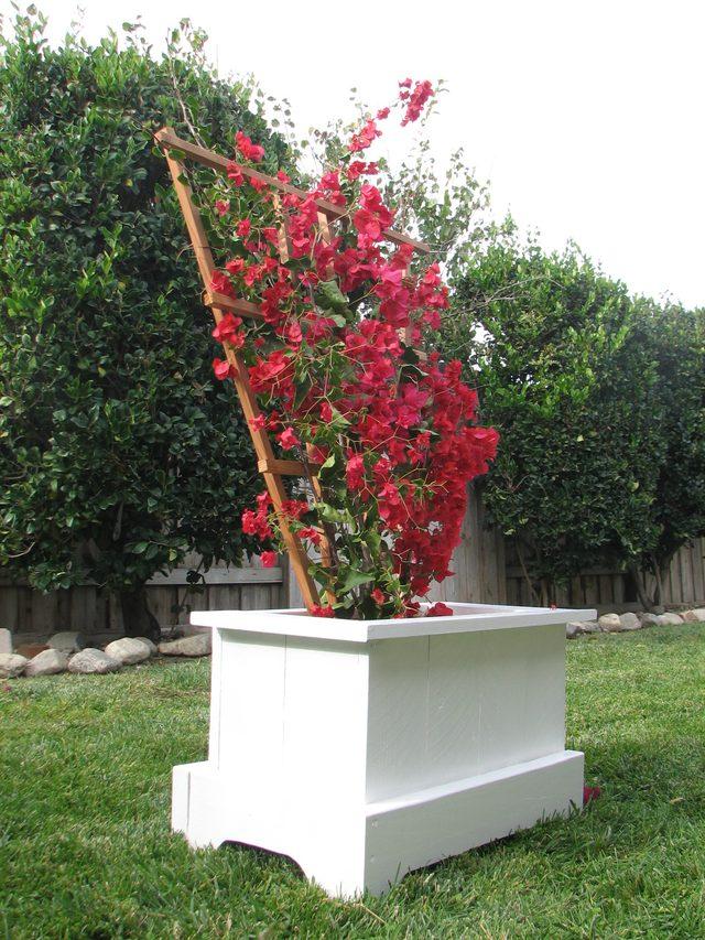 build-garden-planter-box // ehow