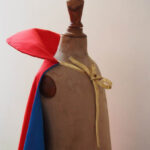 La cape de super héros par Petit Karel