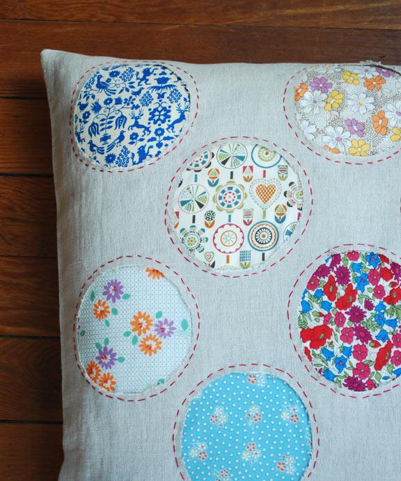 circles-pillow