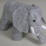 L'éléphant en feutrine par Nunolife
