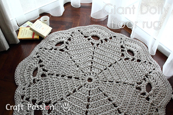 doily-floor-rug // craftpassion.com