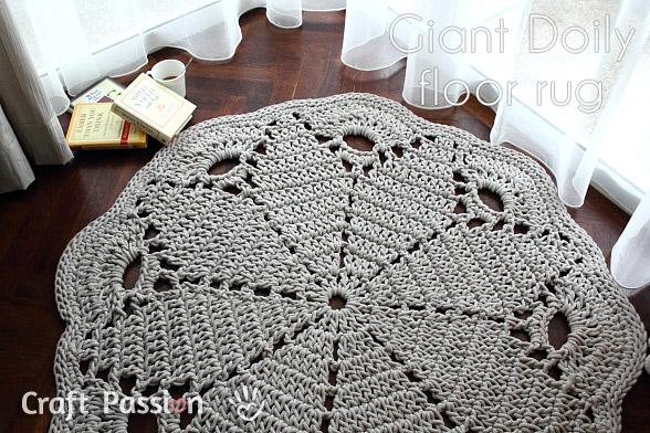 doily-floor-rug // craftpassion.com
