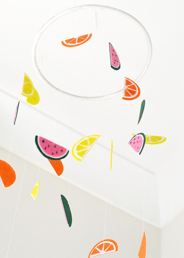 fruit mobile // Make ad tell