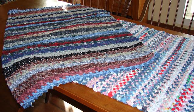 thecountryfarmhome // rag-rugs-delta-folk-art