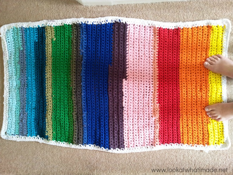 Rainbow-Crochet-Rug-Lookatwhatimade