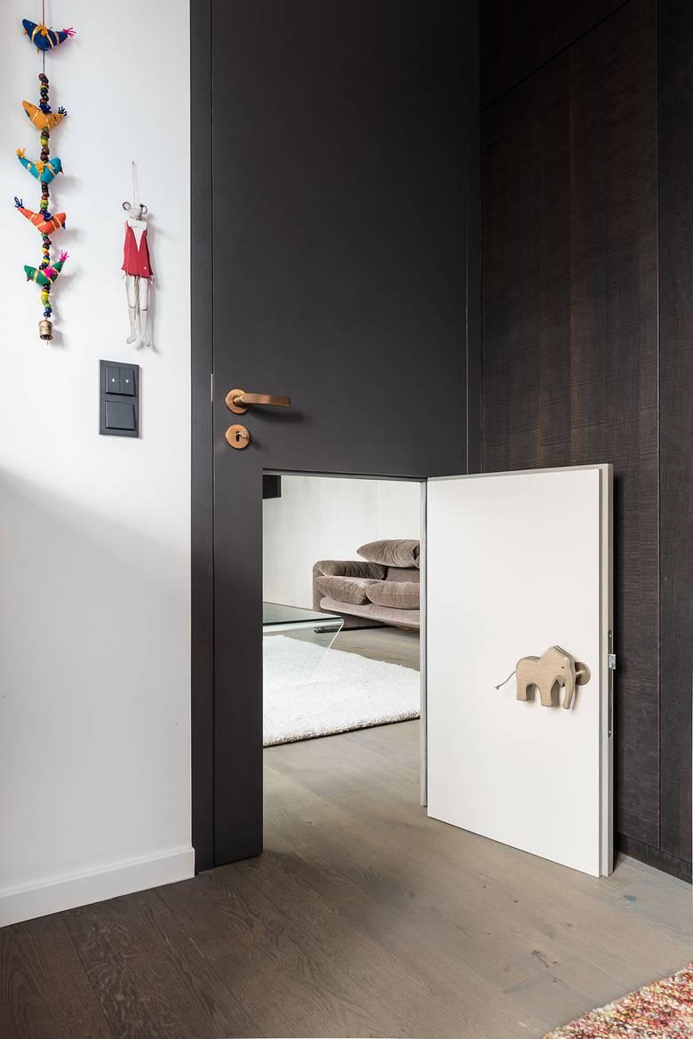 Chambre d 39 enfant avec un passage secret for Meuble porte secrete