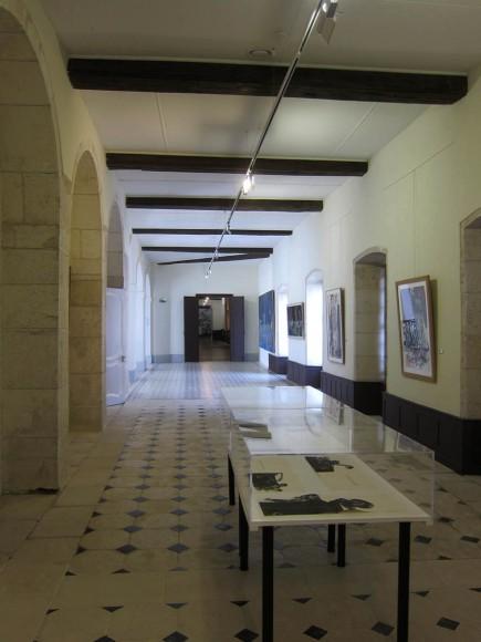 Les oeuvres graphiques, exposées dans les salles du 1er étage du centre d'art