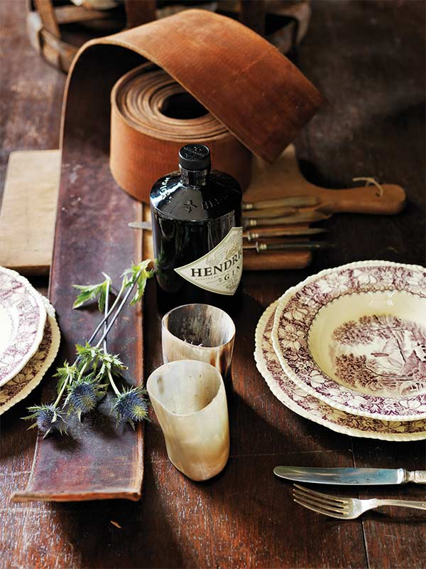sibella-court-wanderlust-Scotland-Gypsy-table-setting1