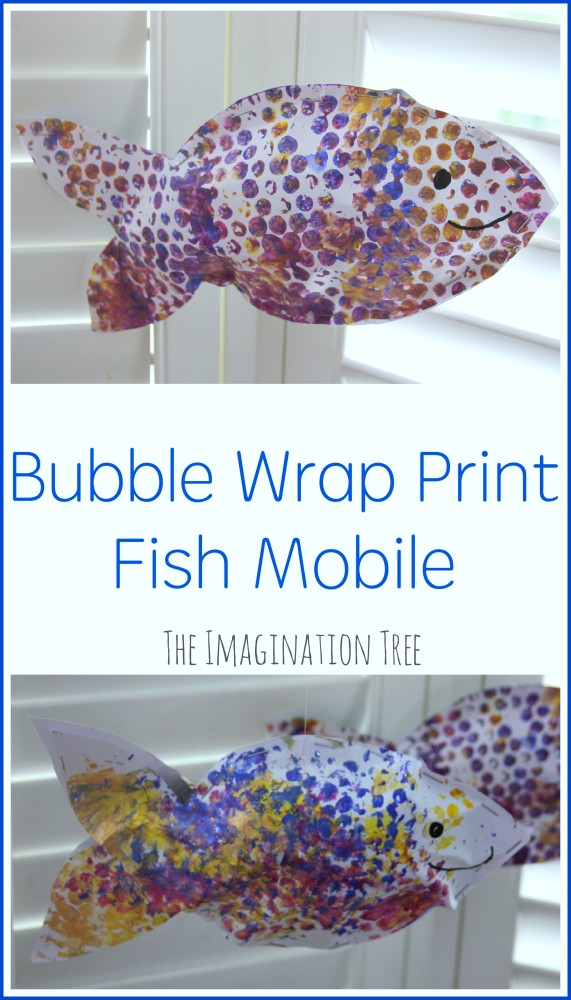 Bubble-wrap-print-fish-mobile-craft-for-kids-571x1000