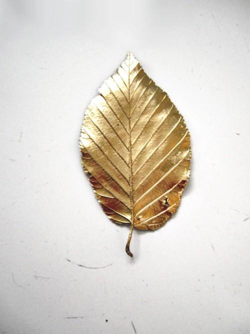 gold-leaf-paint