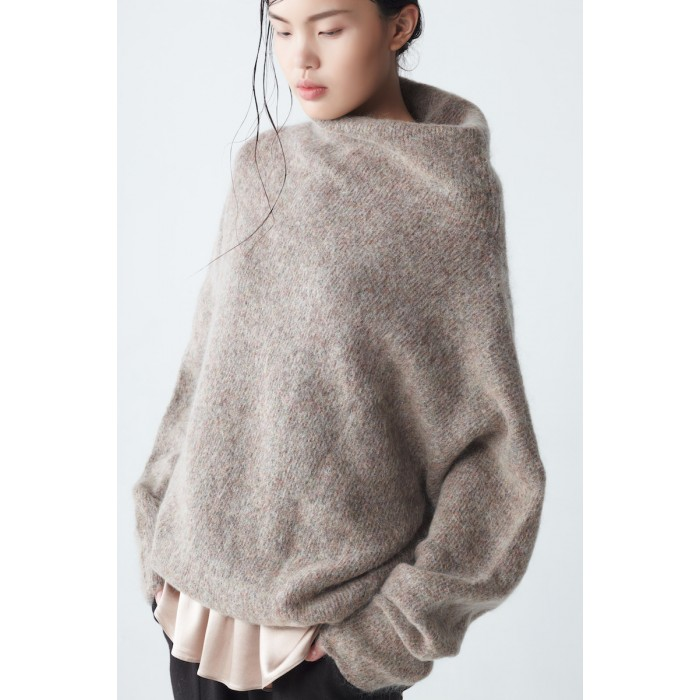 neemic_afternoon_eden-oversized-mohair-sweater_4813-700x700