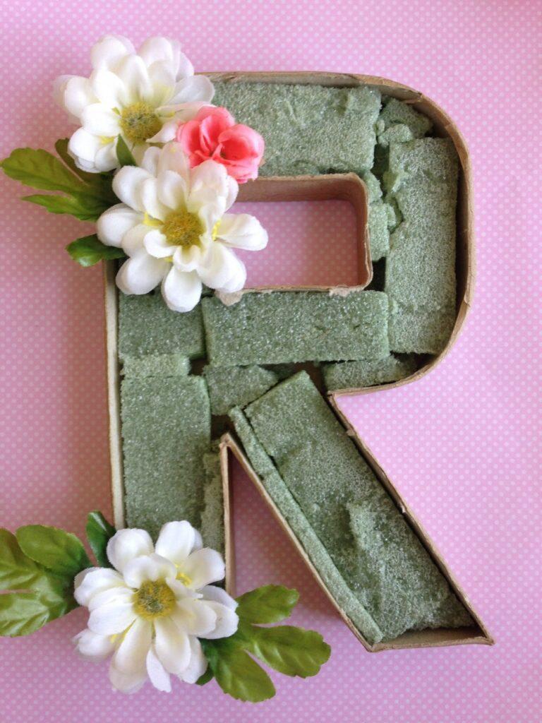 daisymaebelle.com/floral-monogram/