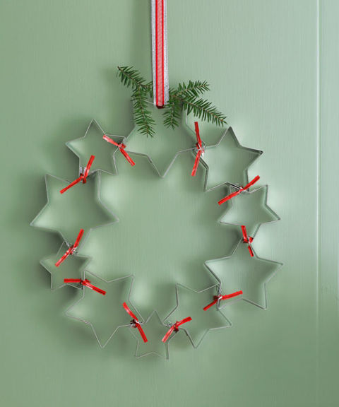 star-cookie-cutters-wreath