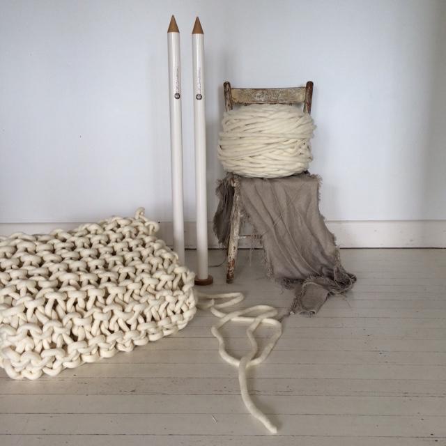 K1S1+yarn+and+needles