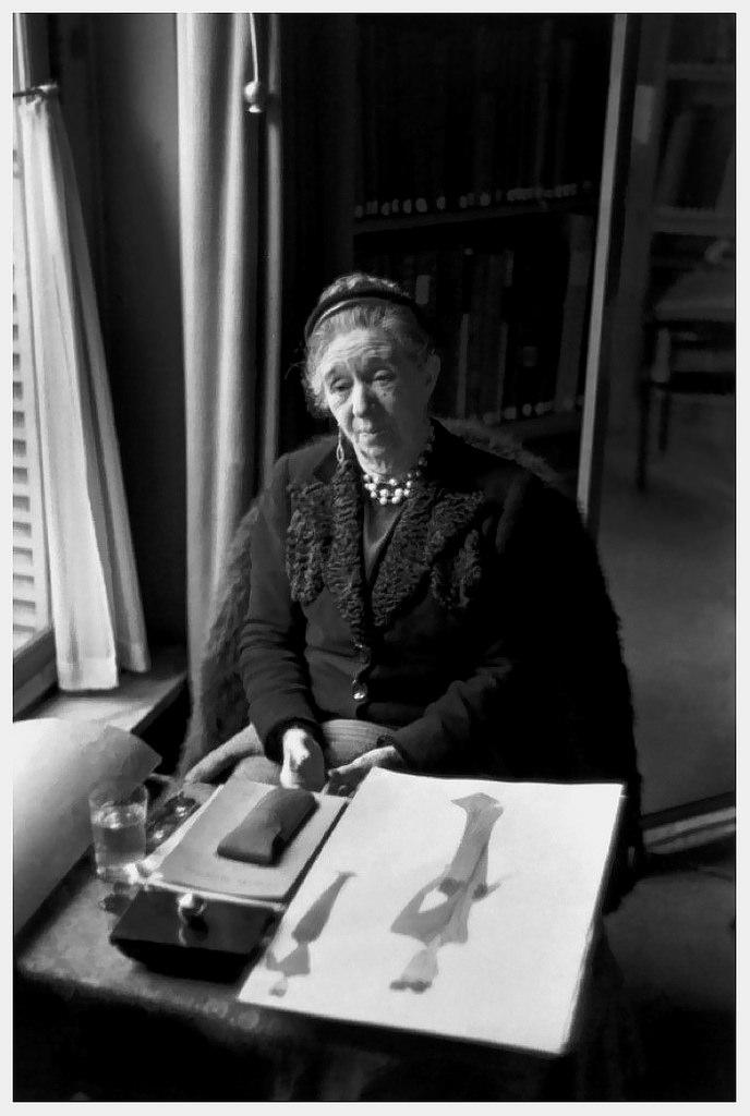 Madame Jeanne Lanvin, photographiée par Henri Cartier-Bresson, 1945