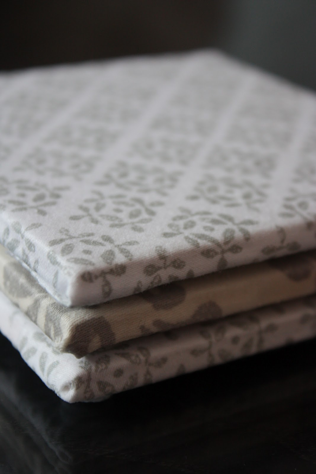 jessicademaio-how-to-diy-fabric-coasters