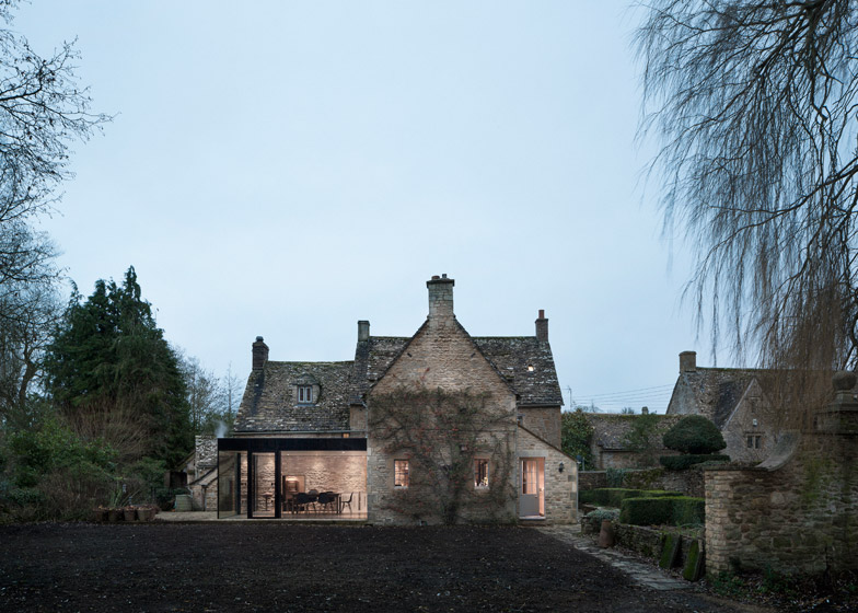 Yew_Tree_by_Jonathan_Tuckey_dezeen_784_5