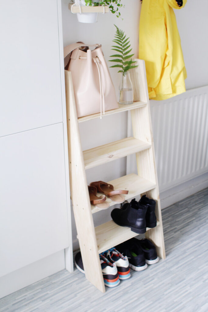 DIY-Ladder-Shelf-18