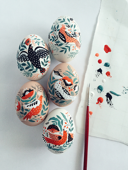 mirdinara painting easter eggs