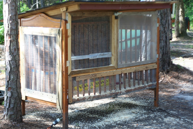 thehappierhomemaker-upcycled-crib-to-quail-coop