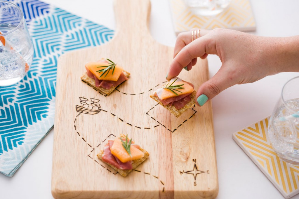board final // 3 Creative Ways to Make a Wood-Burnt Serving Board // Brit + Co