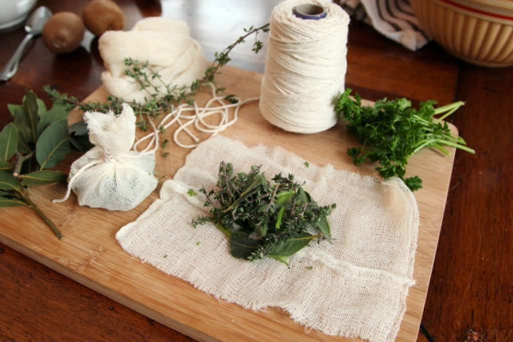 How-to-Make-Bouquet-Garni-Kitchen-Herbs1-1110x741