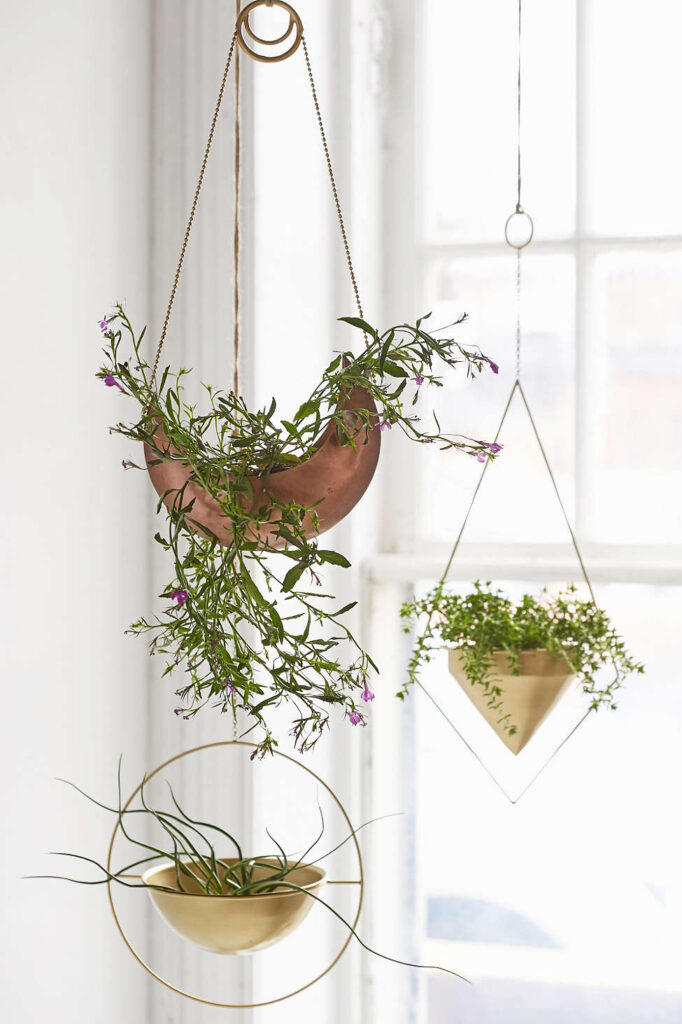urbanoutfitters-hangingpots